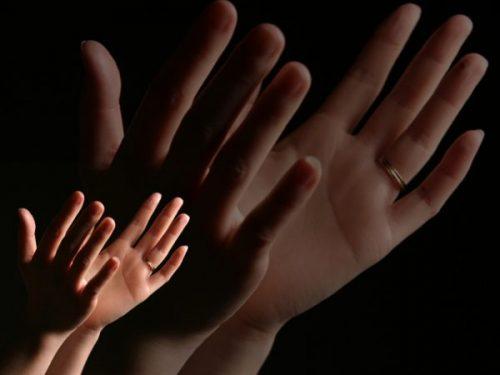 worship-hands-1440139-640x480